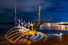 The Sun Voyager during the blue hour. (Matthias Dengler || www.snapshopped.com) Tags: solfar sun voyager sculpture art night artificial light reykjavik iceland island islandia cityscape landscape adventure travel matthias dengler snapshopped architecture long exposure