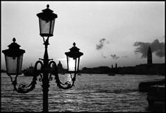(Jordi Aragon) Tags: nikonf801 nikkor50mmf14d kodaktrix rodinal 150 5secagitationperminute filmrocks 20c 12minutes venezia italia