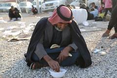 عمليات الاغاثة وتقديم المساعدات الى العوائل النازحة من مختلف قرى ومناطق محافظة #نينوى (6) (جمعية الهلال الاحمر العراق) Tags: نينوى مساعداتانسانية مساعدات موصل