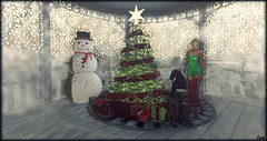 """""""Super Promotion""""  MUTE  Christmas Outfil complete Heqet ( T ) Tags: mute alpha dress complete outfit diseo body models strapless fitmesh maitreya belleza compatible christmas classic slink high heet boots shoebase mi elf hat with bells none bear holiday toytrainset tree carpet horse singlepresent single present"""