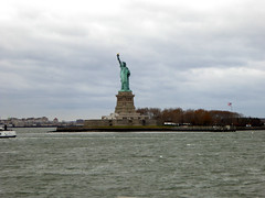Statue of Liberty as seen whilst Sailing on the Staten Iisland Ferry New York November 2016   (10) (Richie Wisbey) Tags: staten island ferry new york free service gratis statue liberty ellis governors bowling green verazano straits bridge hudson river east bay manhattan skyline big boat richard richie wisbey flickr explore exploring usa
