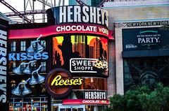 Las Vegas - Nevada /USA (Udo S) Tags: las vegas usa nevada advertising amerika city stadt reisen travelling colors farben werbung