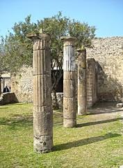 Tufa colums (2nd century BC) - House of Triptolemus at Pompeii (* Karl *) Tags: italy pompeii pompei colum