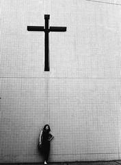 christian mind (alex l. photographe1) Tags: blackandwhite girl japan lens tokyo olympus fujifilm zuiko om1 50mmf14 redfilter christianisme across100 odakyusen