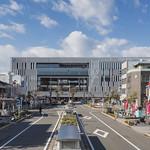 図書館を主とした駅前公共複合施設の写真