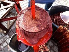 20151003 wijkwijnkoek (enemyke) Tags: oktober wine vin pers vino wijn persa 2015 exprimir koek persen wijnpers pixeldiary druivenpers wijkwijn wijkwijnkoek