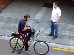 Esmolet (Francesc Carreras) Tags: streetphotography arrotino knifegrinder afilador rémouleur scherenschleifer esmolador esmolet