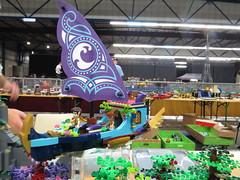 IMG_6862 (LUG Festibriques) Tags: montagne dragon lego exposition fantasy hotdogs jeu caverne fantastique auxerre 2015 scoubidou festibriques