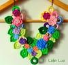 Flores no canteiro, colar de crochê (Lidia Luz) Tags: flowers flores necklace handmade crochet flor colar crochê lidialuz