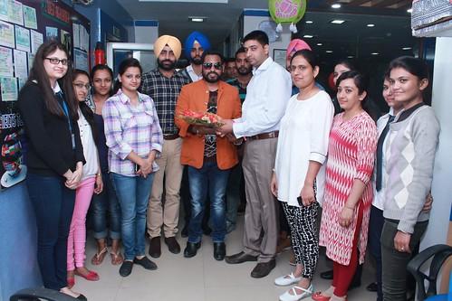 Bollywood playback singer Alamgir Khan with LinguaSoft Edutech Pvt. Ltd. staff at Chandigarh