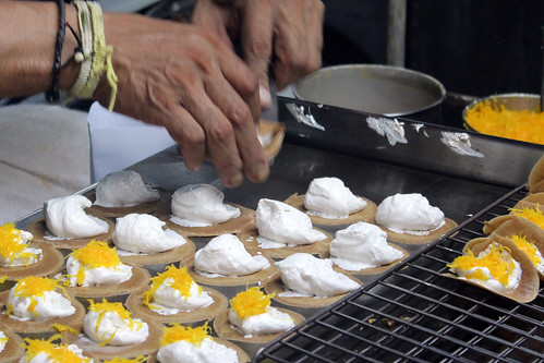 Hua Hin making tiny Thai pancakes