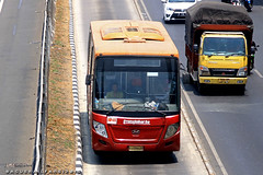 Transjakarta Hyundai (BagusRailfans photo) Tags: bus mercedes benz mas body agra jakarta bis hino aptb transjakarta damri bismania primajasa arimbi