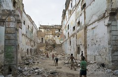 DSC03996_ep (Eric.Parker) Tags: game building abandoned boys kids trash hit garbage baseball debris havana cuba pickup run pitch habana rubble collapsed 2015 baseballbat april2015