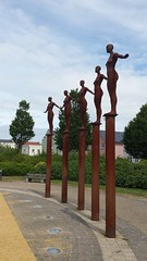 Standing up (napolitl) Tags: statue portishead