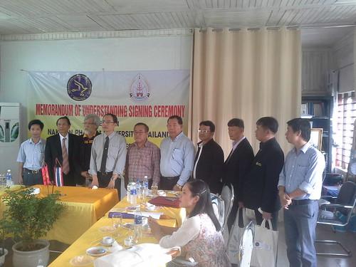"""VIỆN ĐÓN  Đoàn công tác của Giám đốc Đại học Nakhon Phanom đến thăm và ký văn bản hợp tác • <a style=""""font-size:0.8em;"""" href=""""http://www.flickr.com/photos/145755462@N06/25309395899/"""" target=""""_blank"""">View on Flickr</a>"""