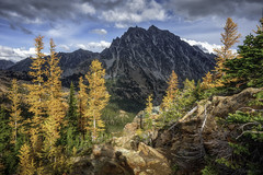 Mt Stuart (Bill Devlin) Tags: mountain mt stuart washington cascades larch tree tamarack sky fall colors lake ingalls trail gold yellow