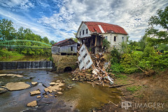 Falls of Rough Mill - 2016 (AP Imagery) Tags: mill greenbrothers falls historic aging ky fallsofrough rural urbex saw decay collapsed collapse farm grist kentucky woolen roughriver