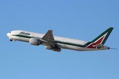 Alitalia (So Cal Metro) Tags: boeing 777 alitalia eiisd airline airliner airplane aircraft aviation airport plane jet lax losangeles la