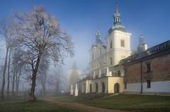 Kalwaria Pacławska Sanctuary (Mirek Pruchnicki) Tags: kalwariapacławska województwopodkarpackie polska architecture pogórzeprzemyskie morning misty