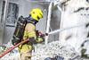 lmh-røyken003 (oslobrannogredning) Tags: bygningsbrann brann nedbrenning nedbrenningsøvelse flammer røykdykker røykdykkere røykdykking øvelse trening