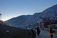 DSC00628 (A lonely journey of life) Tags:            sichuan china seda luoruoxiang larunggar tibet