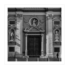 _MAH4654-Modifier (anthonymahieu | photos) Tags: france architecture religion cathdrale cathedral glise church nice nissa ctedazur frenchriviera square carr noiretblanc blackandwhite monochrome nikon nikond750 sainterparate street rue bw nikkor