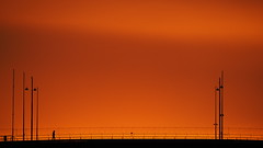Rushhour (jurgenkubel) Tags: sunrise soluppgång stockholm bridge bro västerbron sweden sverige schweden fotgängare pedestrian fusgänger brücke sonnenaufgang