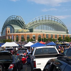 Miller Park Tailgaiting (JamesMeyerPhotography) Tags: wisconsin brewers baseball parking lot milwaukee millerpark cheesehead mlb tailgaiting