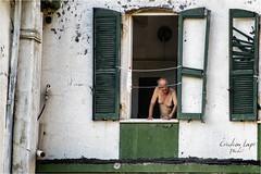 Dall'altra parte del cancello (Cristian Lupi 72) Tags: finestra palazzo follia vecchio nudo povert finestre matto decadenza povero