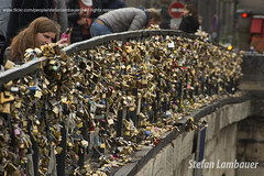 Paris padlocks (Stefan Lambauer) Tags: cidade paris france seine river cadenas europa frana fr padlocks sena ledelacit riosena 2015 cadeados pontdelarchevch 4tharrondissement stefanlambauer arcebispado 5tharrondissementcity
