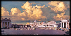 Evening at Vatican (laluzdivinadetusojos) Tags: vatican saint peter pedro basilica square bernini evening panorama summer september