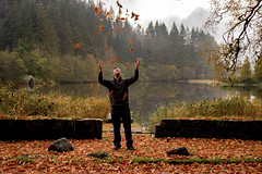Autumn at Loch Ard (Anne Oldfield) Tags: lochard scotland autumn fall leaves water trees landscape fun loch automne