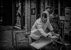 cuando llueve escampa (Caminante ...) Tags: streetphotography mercado blancoynegro boqueria
