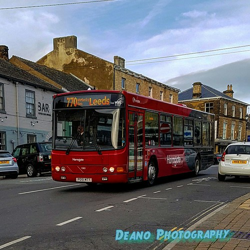 Transdev Harrogate 1085 on 04/11/16