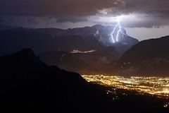 Coup de foudre bifide au dessus de Cluses (74) (suarez.christophe) Tags: nuit night foudre clair lightning mountain storm orage orages hautesavoie zeiss nikon stormchasing france alps alpes