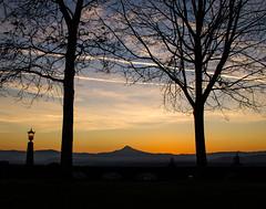Rocky Butte Sunrise (EeBeeGeeBee) Tags: mounthood mthood hood cascades sunrise dawn oregon portland pdx