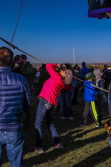 Balloon Fiesta 2016 | Aiming High | Morning Ascension, 07:37AM (Facundity) Tags: aibf albuquerqueinternationalballoonfiesta albuquerque balloonfiesta2016 balloonfiestapark newmexico outdoors eventphotography streetphotography candid spectators canon5dmkiv ef70200mmf4lisusm