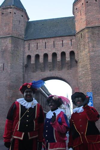 "2016-12-03 Sinterklaasstad-VraagAnthea (23) <a style=""margin-left:10px; font-size:0.8em;"" href=""http://www.flickr.com/photos/44627450@N04/31070300710/"" target=""_blank"">@flickr</a>"