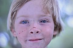 Lucas (RodrigoGabotto-MRG) Tags: nio book las toninas primer plano cara fotografia green blanco bueno