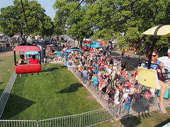 Sky Glider - MN State Fair (Camera Bread) Tags: carnival usa minnesota statefair stpaul minnesotastatefair streetfestival mnstatefair funrides onlyinminnesota crowdsofsummer