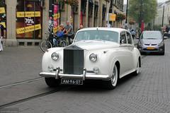 Rolls Royce in Den Haag (Canadian Pacific) Tags: auto old white holland netherlands dutch car vintage automobile nederland rollsroyce denhaag thehague zuid hoogstraat automobiel koninkrijkdernederland aimg2684