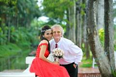 2015-10-18 Phuong & Håkan wedding289 (HAKANU) Tags: city wedding red love river groom bride boat pond couple photos husband vietnam phuong wife weddingpictures reddress håkan weddingphotos mytho bridalcouple håkanuragård