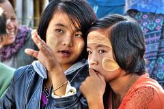 The plot (Saint-Exupery) Tags: leica portrait kid retrato candid burma myanmar inlelake nio robado birmania lagoinle