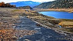 Vieille route. old Road. (sergecos) Tags: road lake water river landscape path lac route paysage bitumen hdr chemin tar bitume pyrnesorientales goudron hdrenfrancais vina d7000 lacdevina