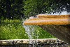 brunnen (nicoheinrich86) Tags: splash wasser water wassertropfen spritzer urban europa park closeup contrast nikcollection nah nass wet hx400v sony 2016 sommer