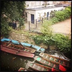 Punts (breakbeat) Tags: hipstamatic oxford instameet instagrammeetup photowalk city hipstamaticapp punts boats botanicalgardens cherwell river water