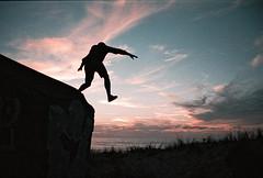 000023 (Benjamin Déchelette) Tags: nikon filmisnotdead filmphotography sunset kodakfilm 35mm ocean freedom skylight
