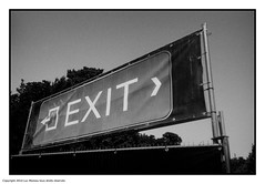 <Exit-> (Spotmatix) Tags: brussels streetphotography vignette camera canon effects film monochrome polypanf prima