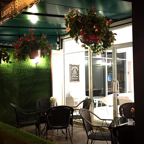 The Cooler Evenings Mean You Can Now Dine Alfresco in Comfort, at Laong's