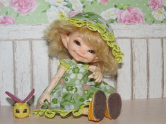 IMG_6218 (cat-soft paws) Tags: realpuki           shoes bracelet outfit summer green lace hat panama sundress soso     bee laughter smile handmade